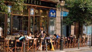 Poble-Sec: tables at Confiteria restaurant